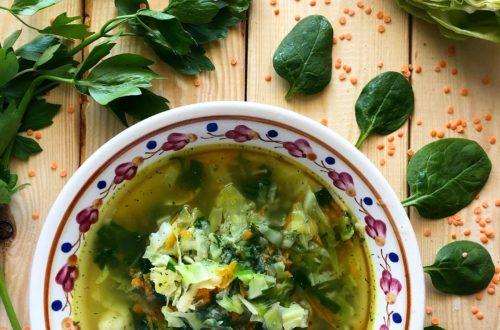 Wiosenna zupa z młodą kapustą