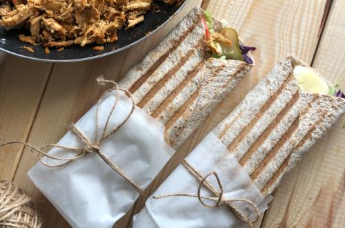 Pełnoziarnista tortilla z kurczakiem