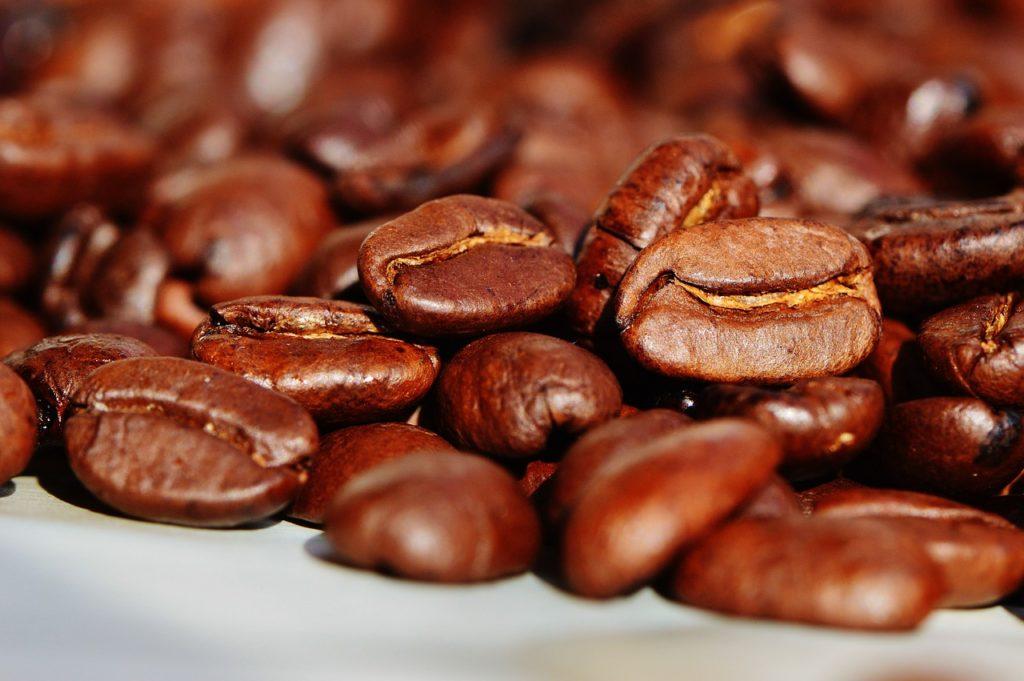 Kawa a trądzik różowaty